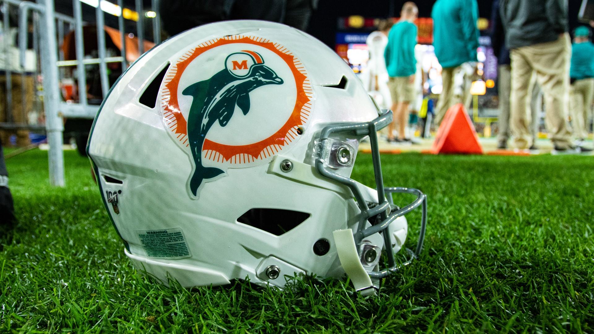 dolphins helmet 062421 getty