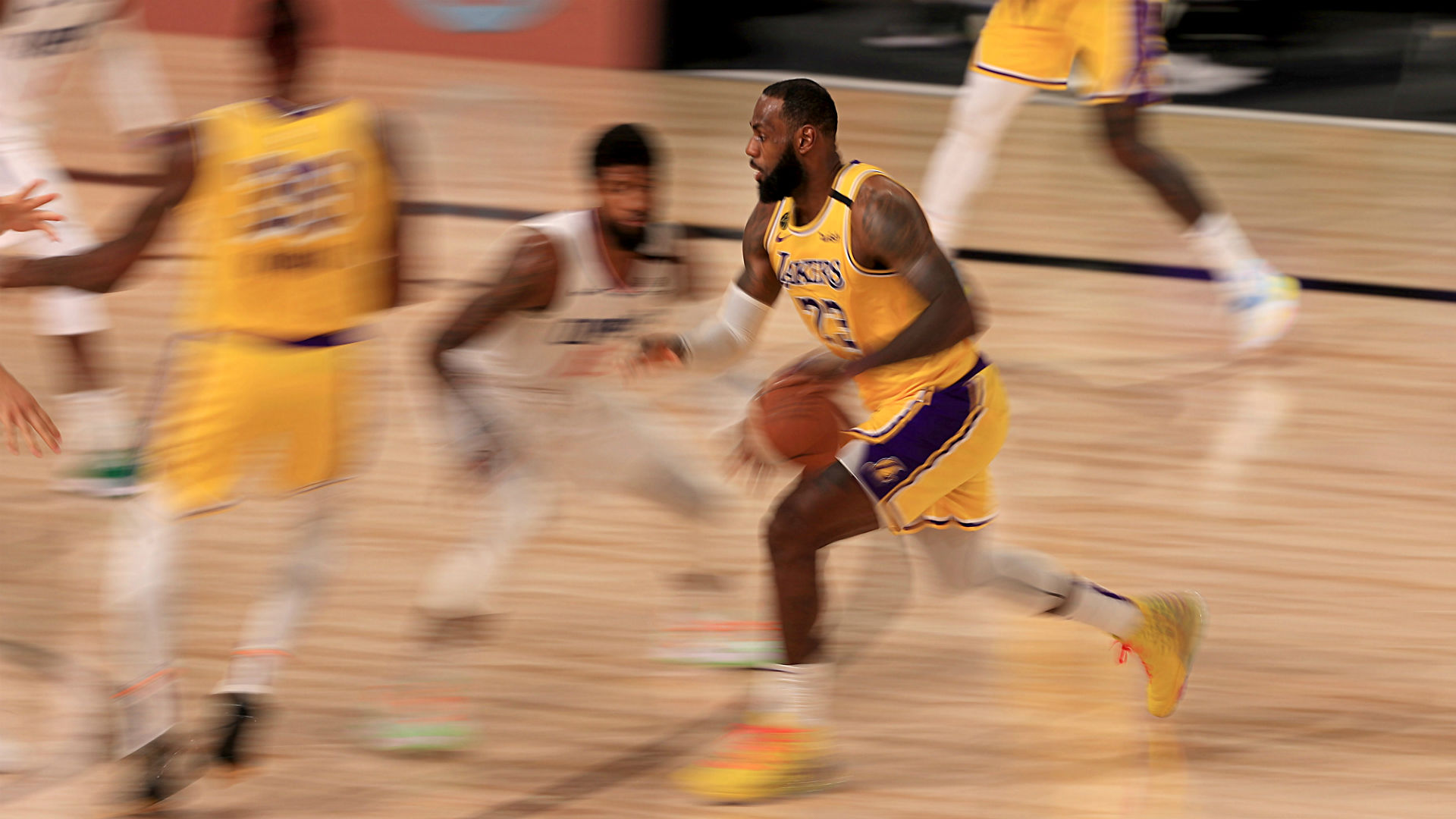 Lakers vs. Clippers score, highlights: LeBron James ...