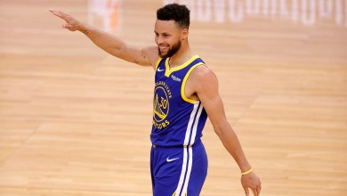 Stephen Curry wins 2nd NBA scoring title, helps Warriors clinch 8th place with 46-point gem