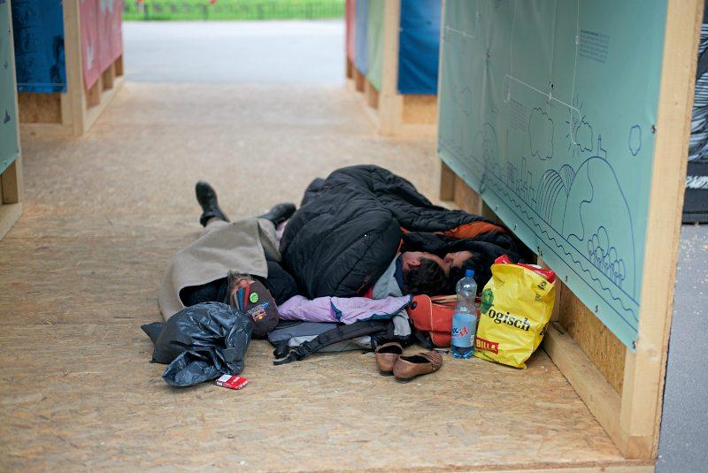 foto: robert newald In der Innsbrucker Innenstadt will man Obdachlose mit Geldstrafen vertreiben.