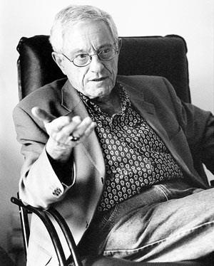 """Arno Gruen: """"Nicht die Ideologie treibt die Menschen dazu zu hassen. Die kommt erst später und wird nur dazu gebraucht, um den Hass zu rechtfertigen."""""""