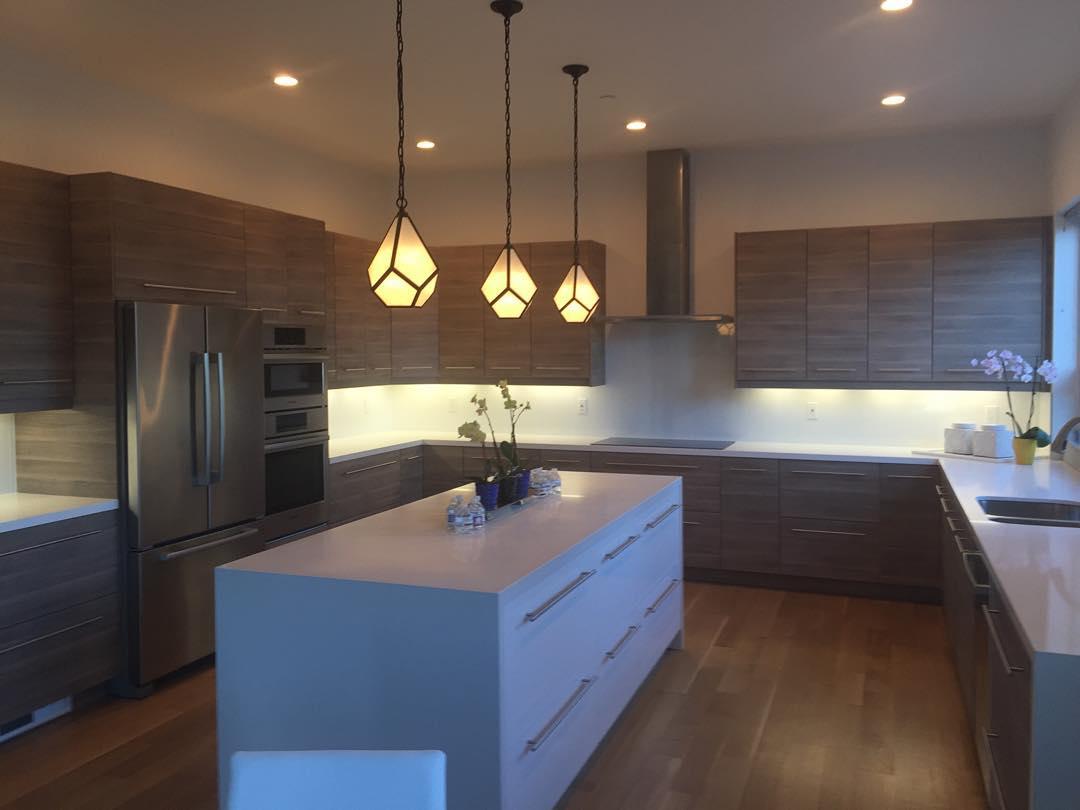 31+ Modern Kitchen Designs, Decorating Ideas | Design ... on Ultra Modern Luxury Modern Kitchen Designs  id=84367