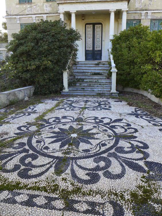 White Pebble Stones Garden