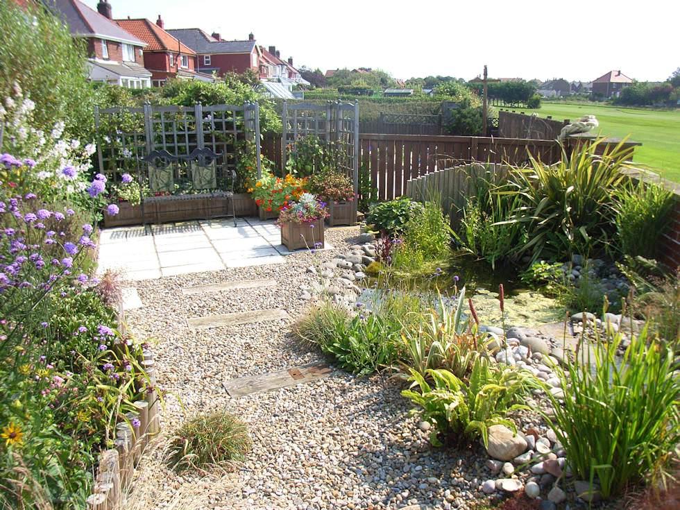 30+ Pebble Garden Designs, Decorating Ideas | Design ... on Backyard Pebble Ideas id=16297