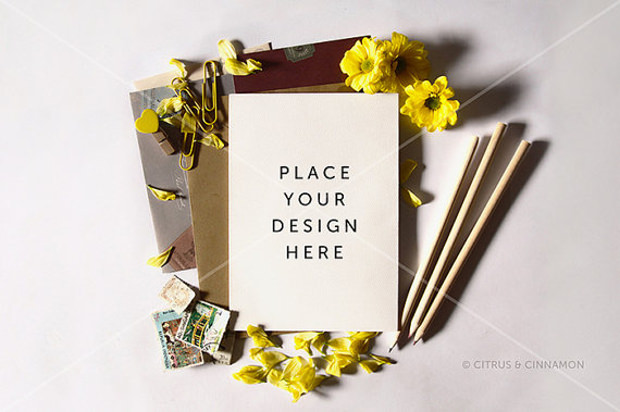 24 Greeting Card Mockups PSD Download Design Trends