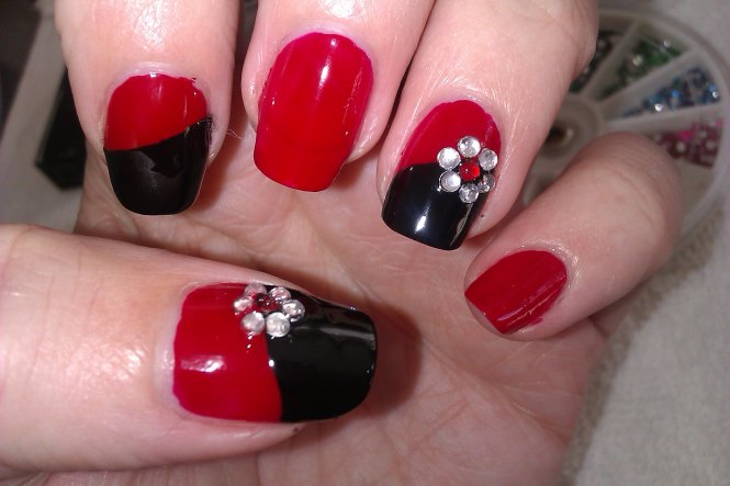 Red And Black Summer Nail Design