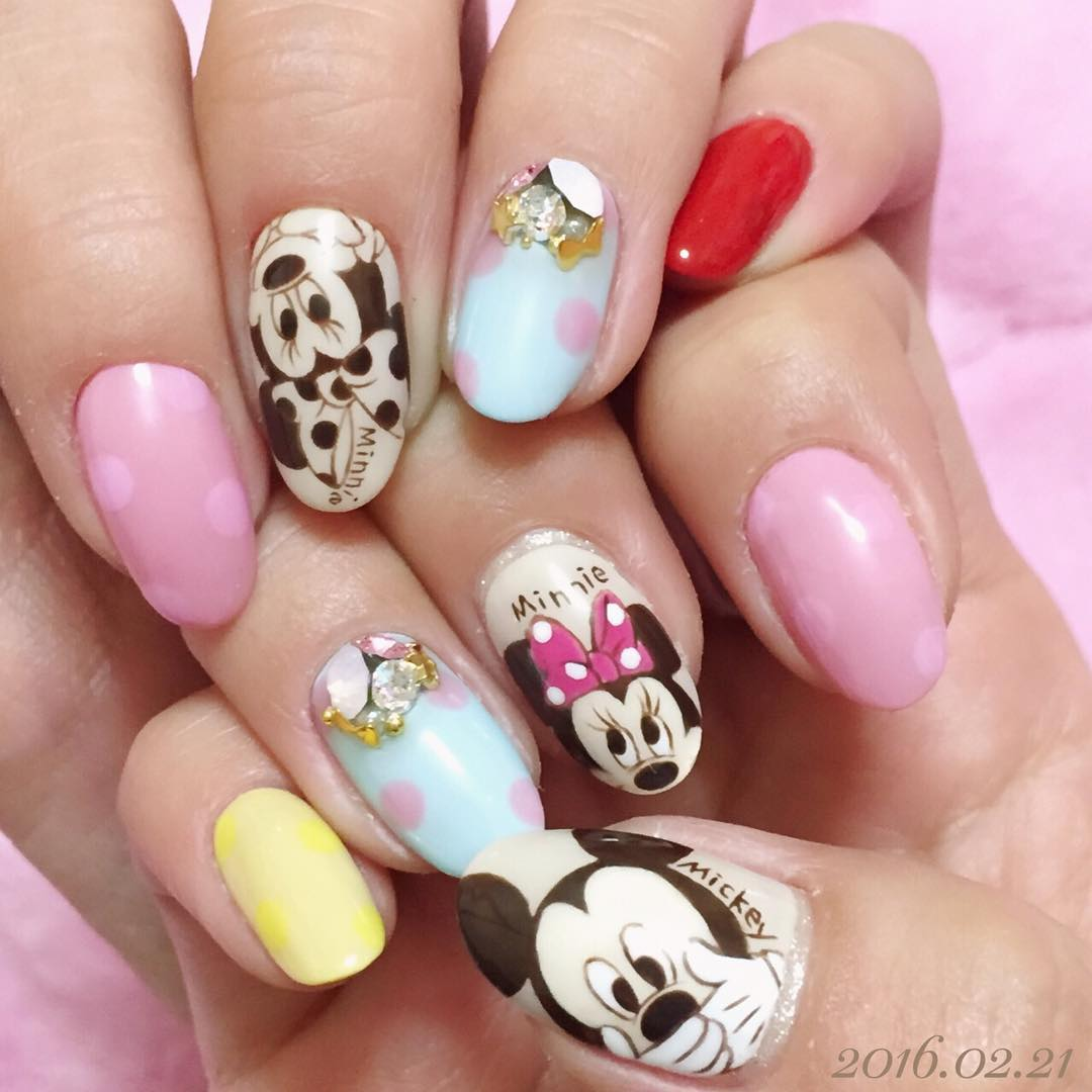 Minnie And Mickey Nail Art