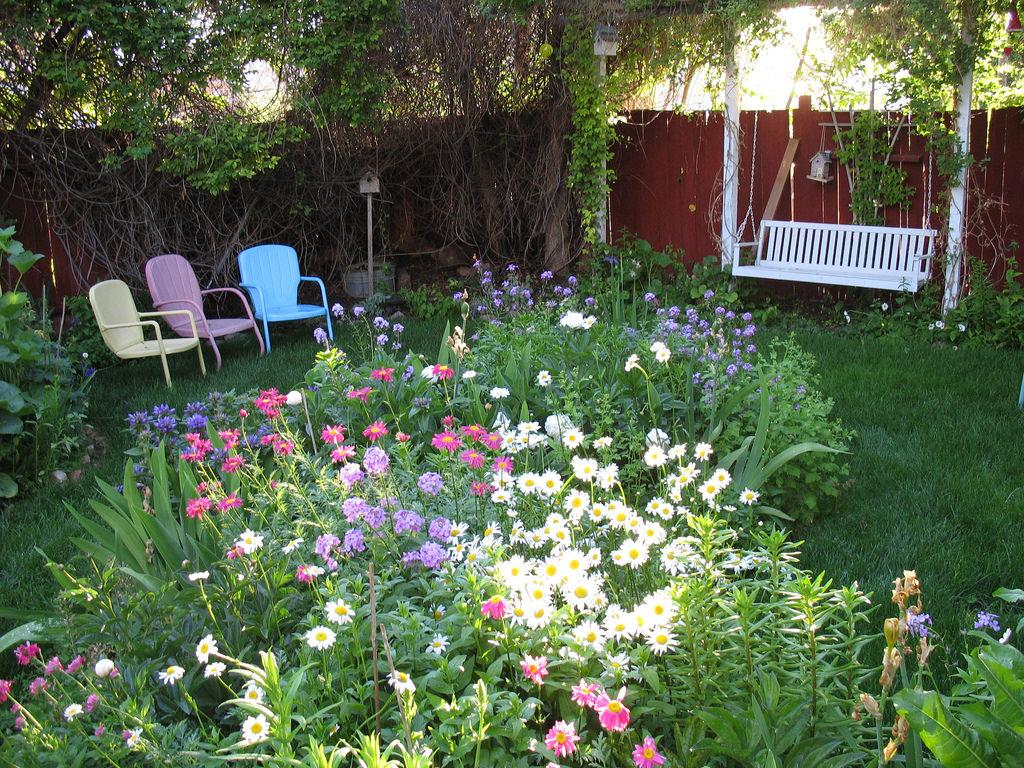 25+ Cottage Garden Designs, Decorating Ideas, | Design ... on Cottage Patio Ideas id=64489