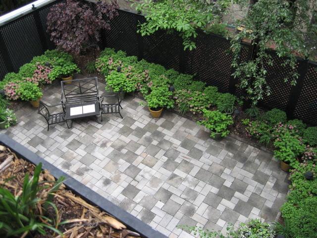 24+ Townhouse Garden Designs, Decorating Ideas   Design ... on Townhouse Patio Ideas id=15608