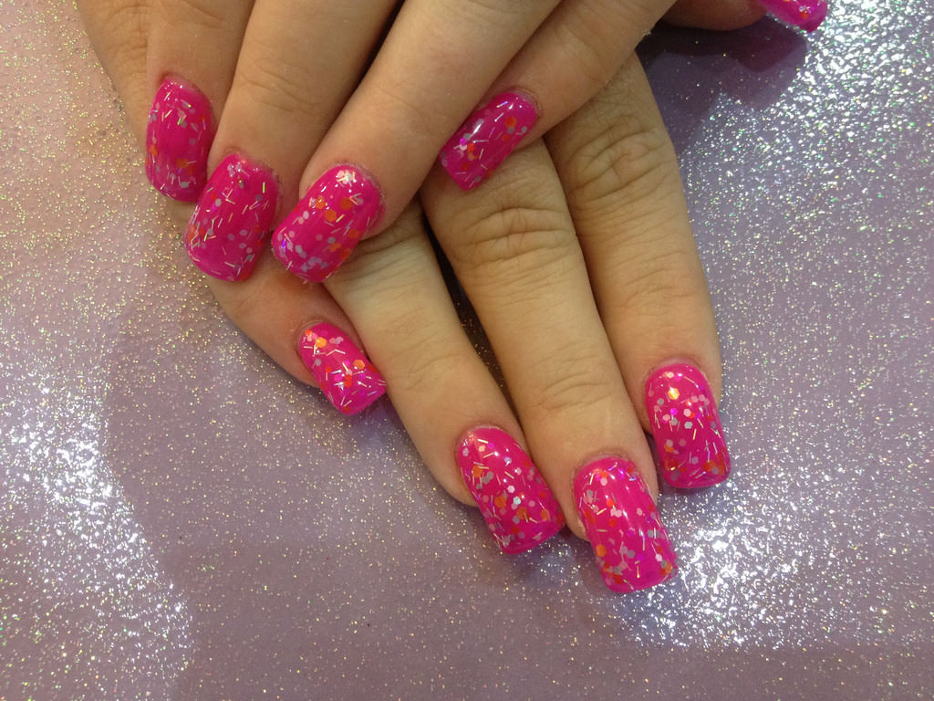 Simple Pink Acrylic Nail Art Dotted Glitter Nails