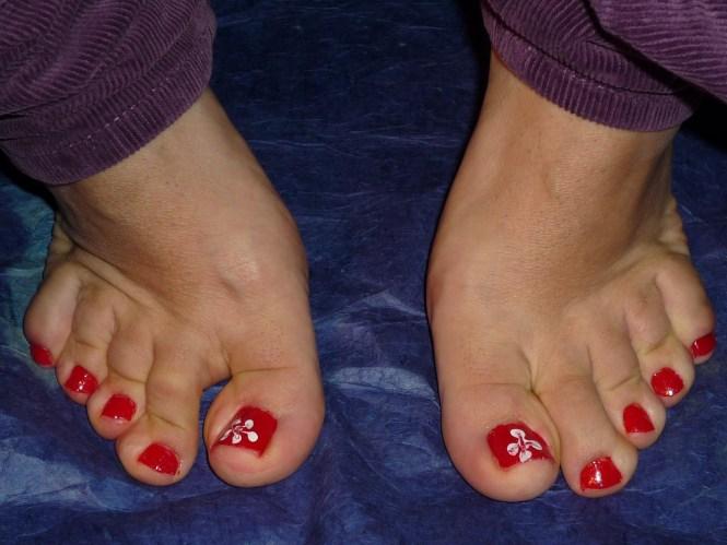 Cool Summer Toe Red Nail Art Idea