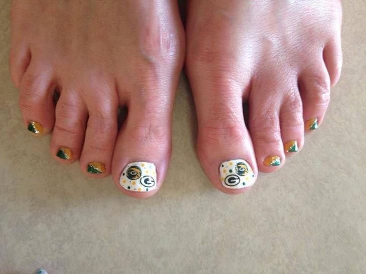 Football Toe Nail Art Idea