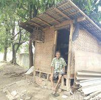 Derita Pak Anda: Mantan Tukang Kebun Gedung Sate yang Kini Huni Gubuk Reyot di Bandung
