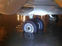 Hujan Deras, Air Rendam Area Parkir Pesawat Terminal 3 Bandara Soetta