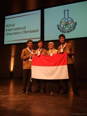 Siswa Indonesia Raih Emas di Olimpiade Kimia Internasional
