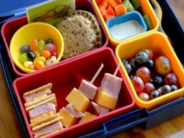 Menyiapkan Bekal Sekolah yang Sehat