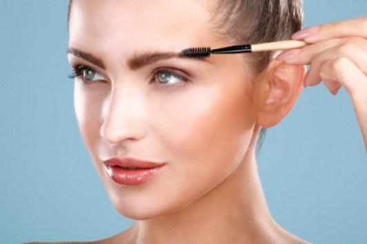 Mengenal Berbagai Jenis Alat Make-up Pembentuk Alis