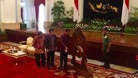 Atasi Hambatan Birokrasi, Jokowi: Tanda Tangan Banyak Tapi Pelaksanaan Kedodoran