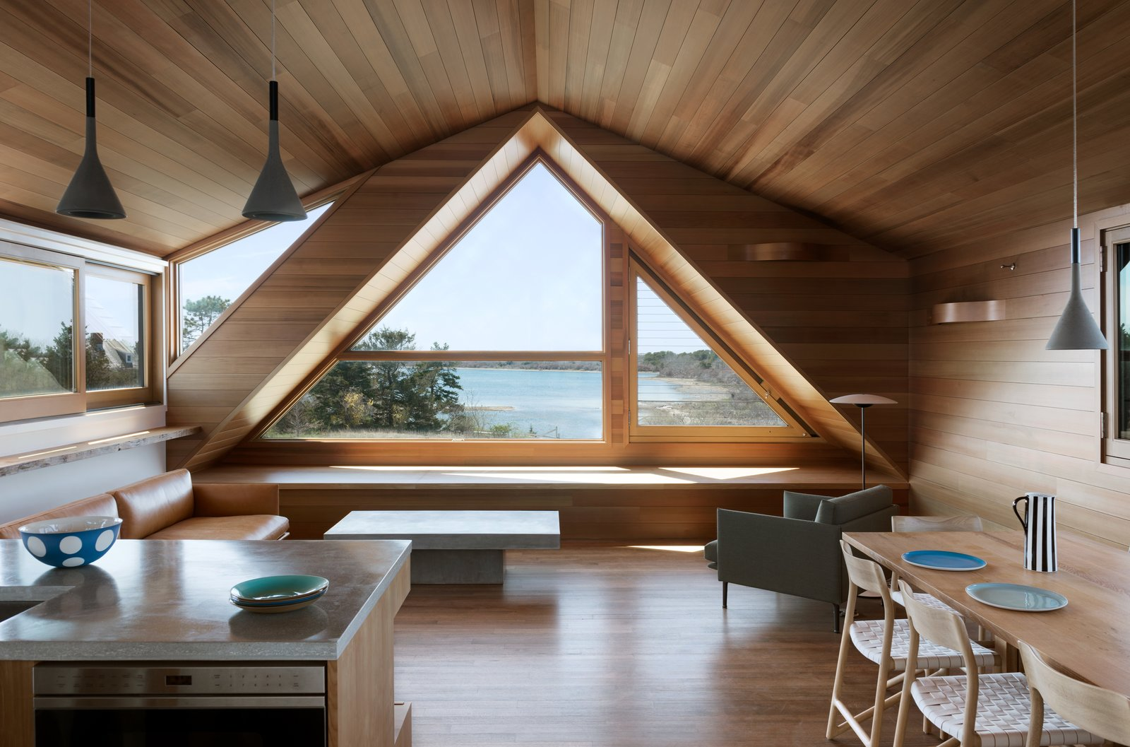 A Saltbox Home Is Revamped To Embrace Its Sublime Cove