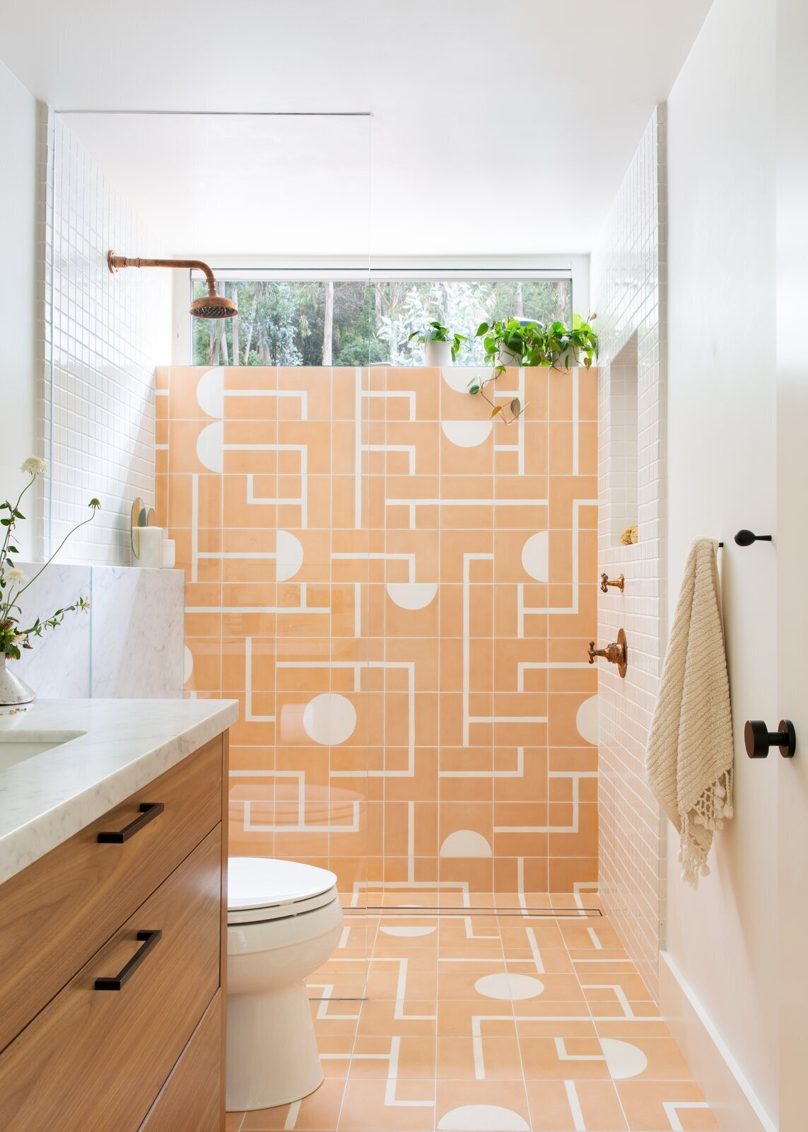 these 21 funky bathrooms make the case