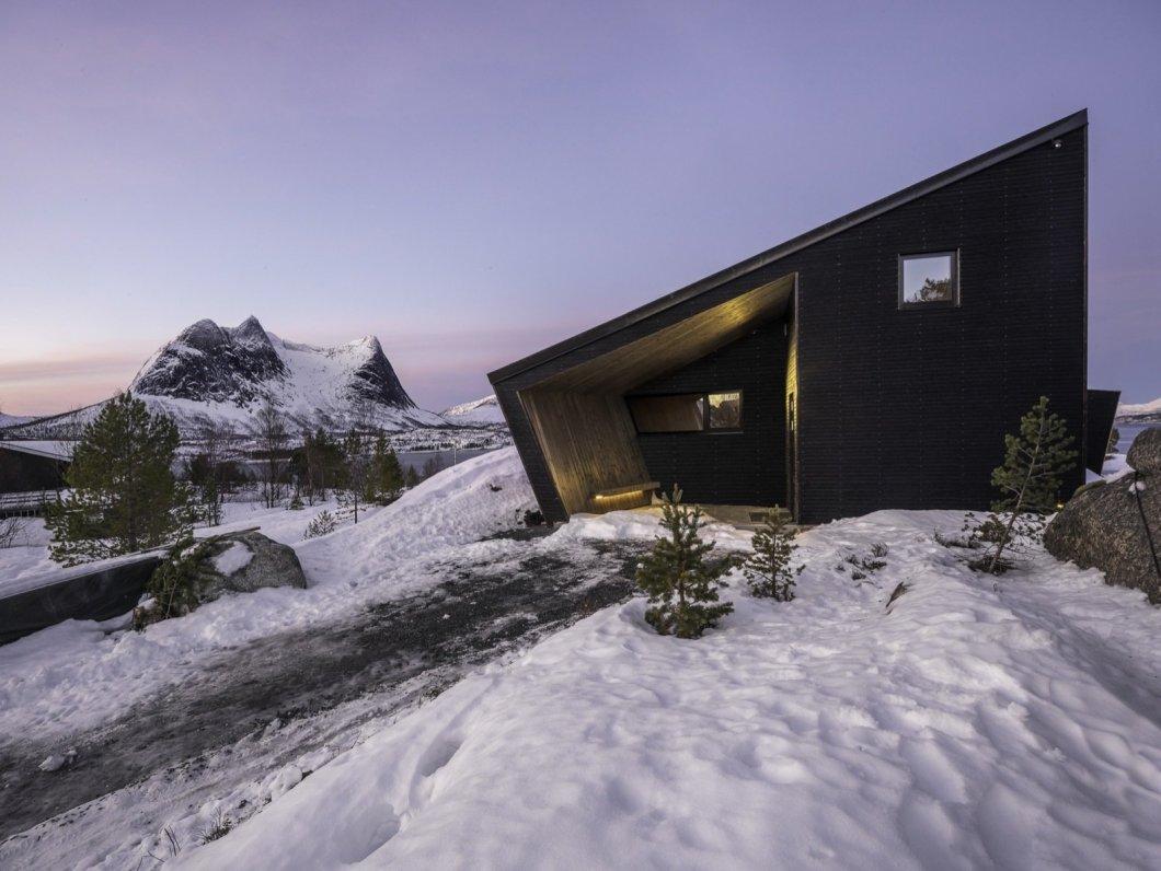 Ejford Cabin exterior
