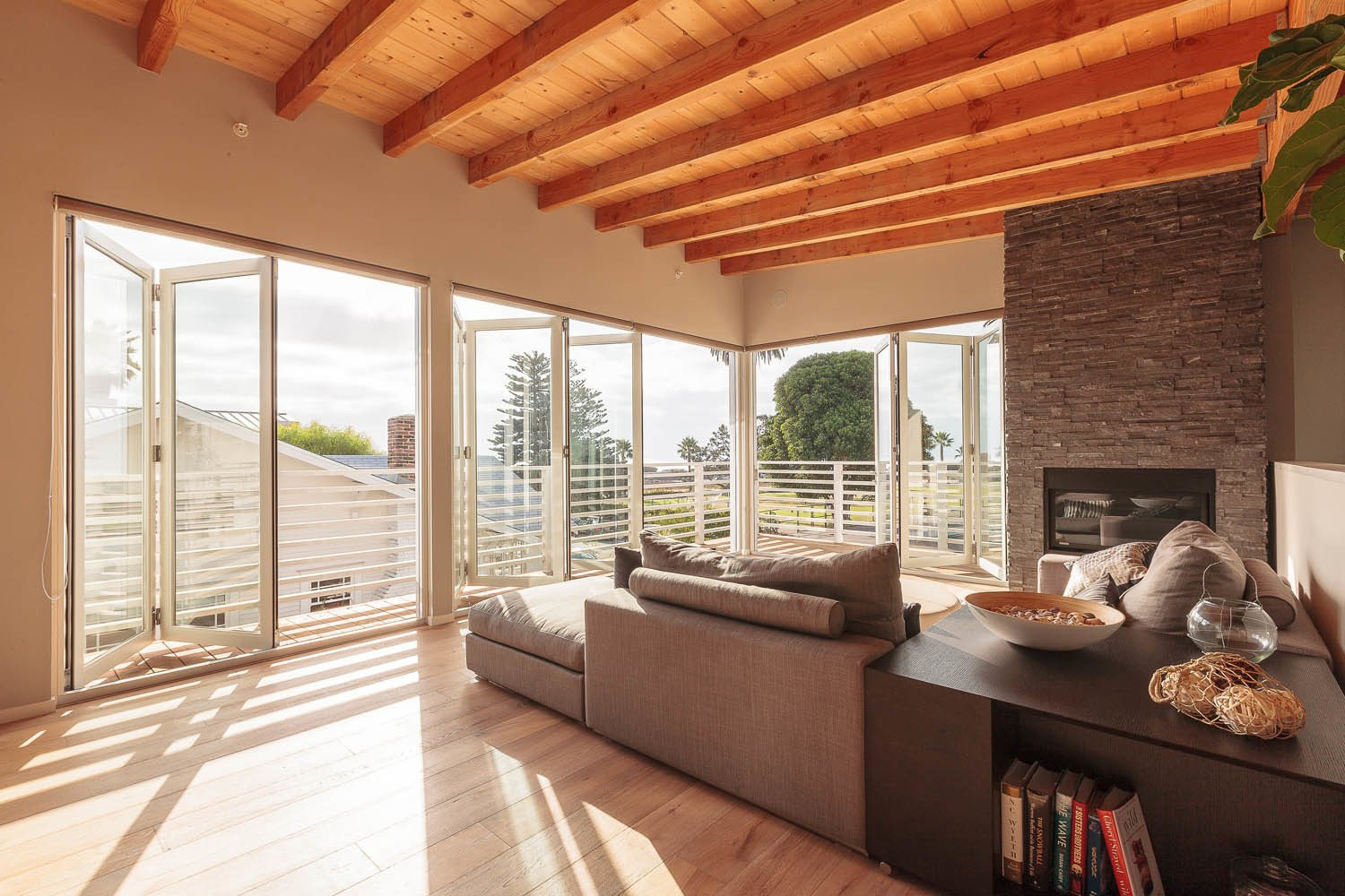 3 Dynamic Solutions For Championing Seamless Indoor ... on Seamless Indoor Outdoor Living id=60992