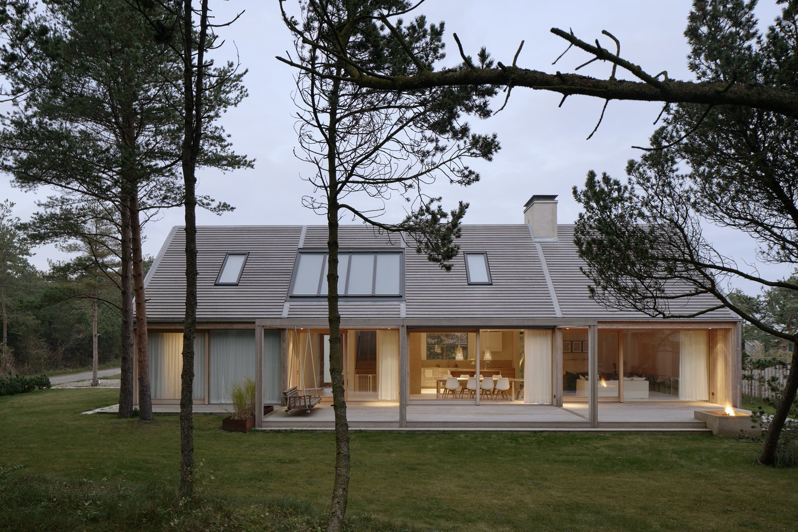 This Swedish Retreat Fuses Scandinavian Vibes With
