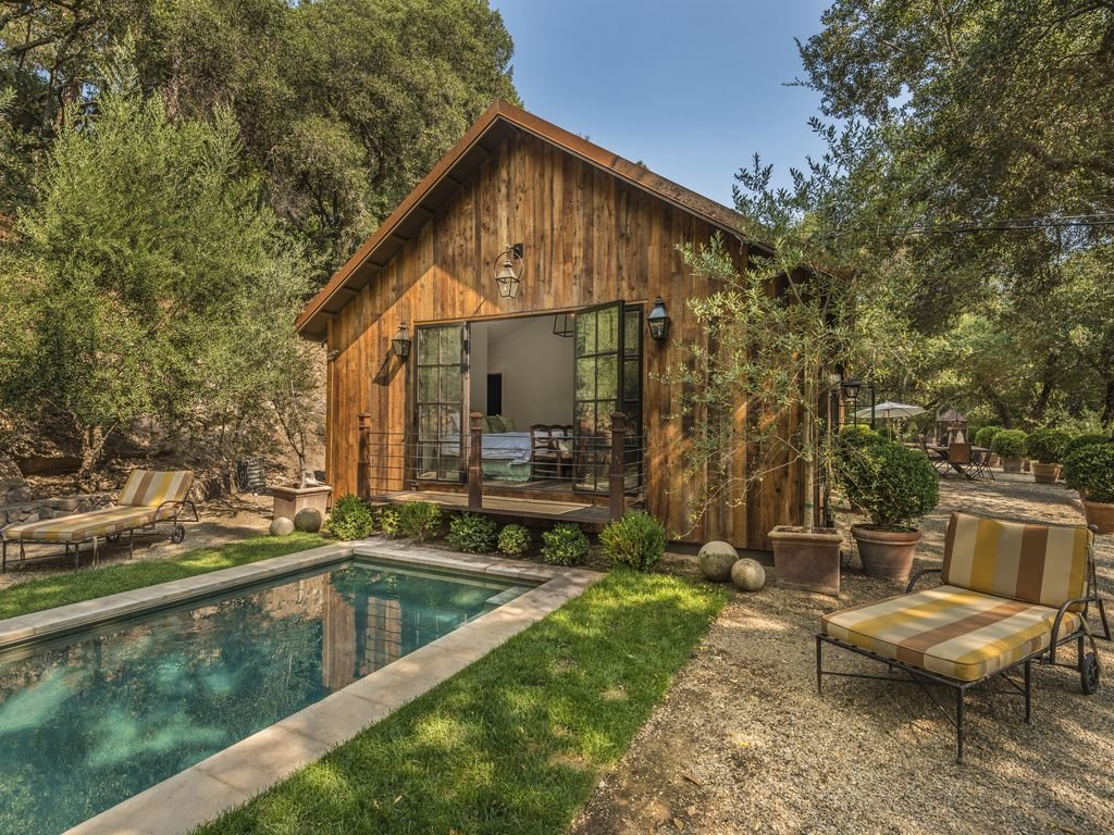 Photo 7 Of 8 In 7 Modern Farmhouses To Rent For The Most Picturesque Vacation Ever From Modern