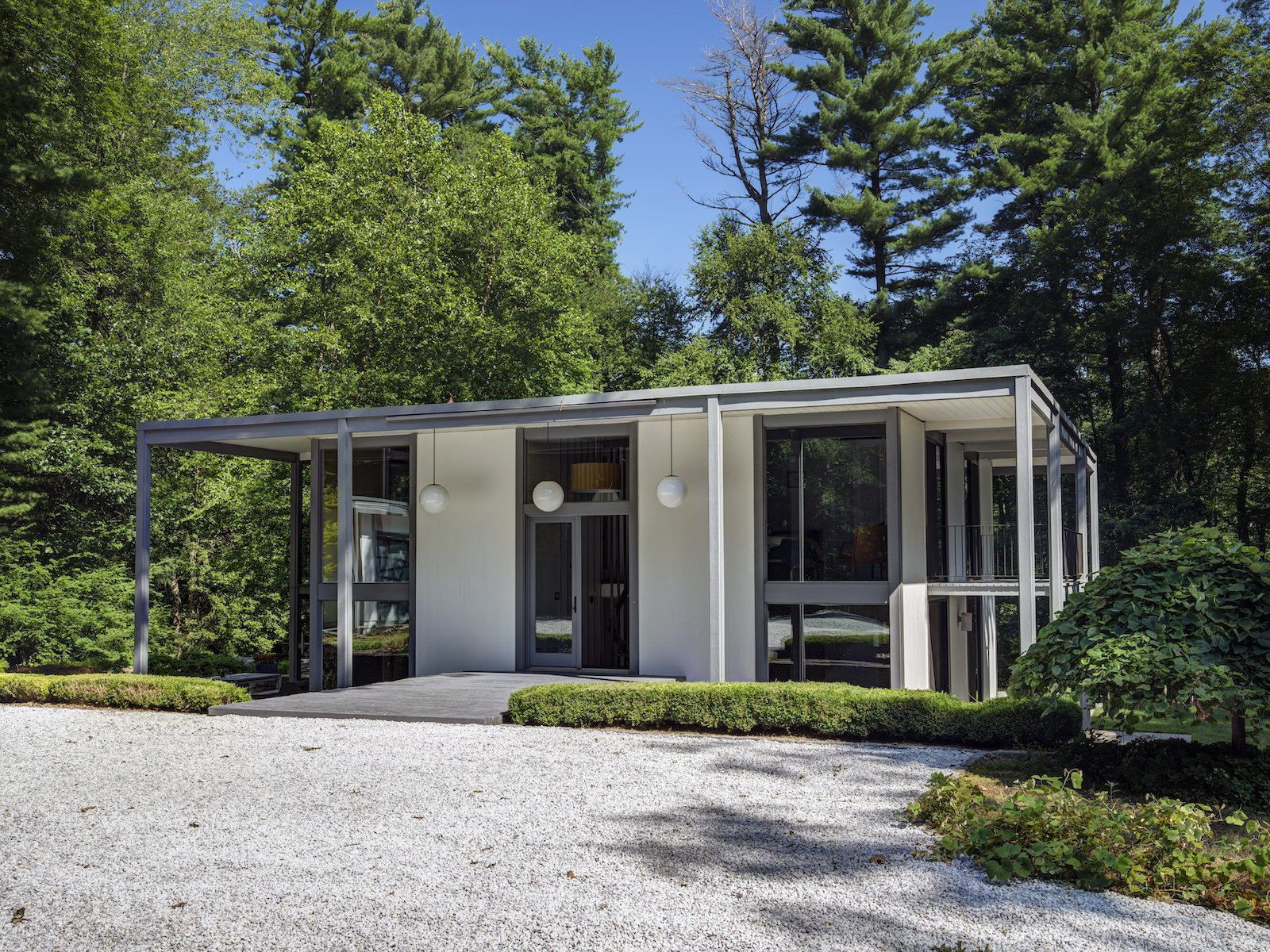 Photo 2 Of 13 In A Showstopping Midcentury In New Canaan