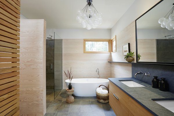 Top 5 Homes Of The Week With Blissful Bathrooms