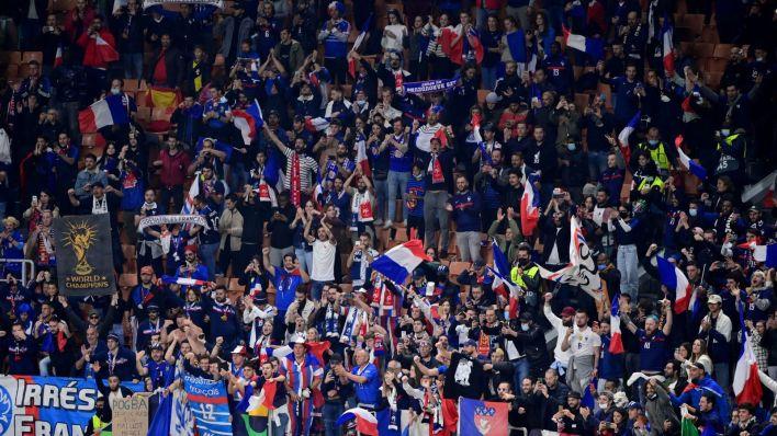 Los aficionados franceses en la final de la Nations League. (Reuters)