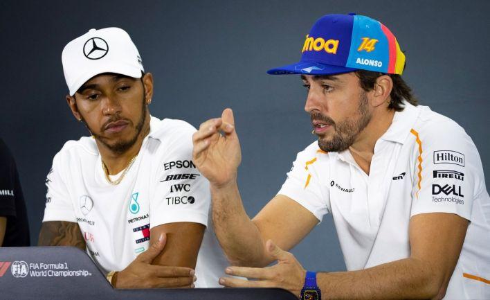 Fernando Alonso históricamente ha sufrido el favoritismo de cierto sector de la Fórmula 1 hacia Lewis Hamilton.