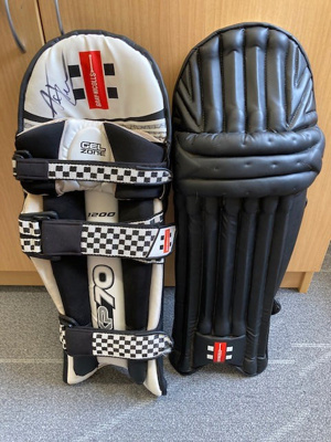 Pads: Amelia Kerr's batting pads from 2018 tour of Ireland and United Kingdom.  2020.6.1a = right pad; 2020.6.1b  left pad; c. 2017; 2020.6.1