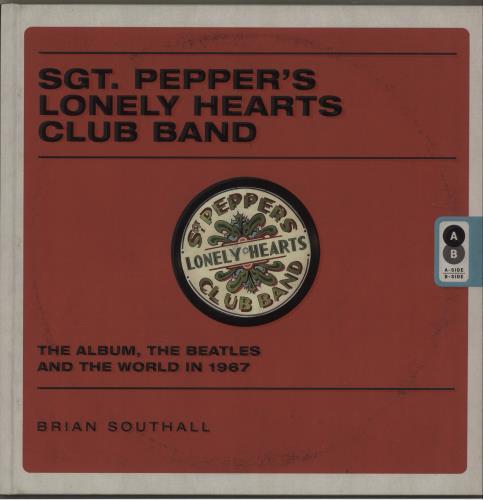The Beatles Sgt. Pepper's Lonely Hearts Club Band book UK BTLBKSG682642