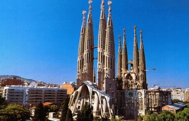 Sagrada Familia. Inacabada. Antoni Gaudí. Barcelona