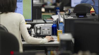 Funcionarios trabajando (EUROPA PRESS)