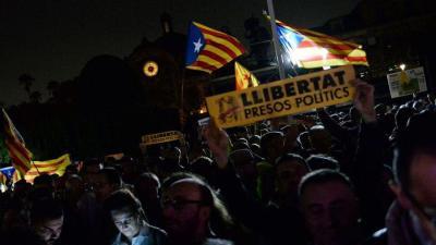 Protesta a las puertas del Parlament contra los encarcelamientos