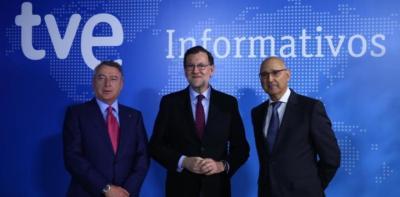 El presidente de TVE, José Antonio Sánchez, con Mariano Rajoy y el director de informativos, José Antonio Álvarez Gundín / FOTO: @marianorajoy