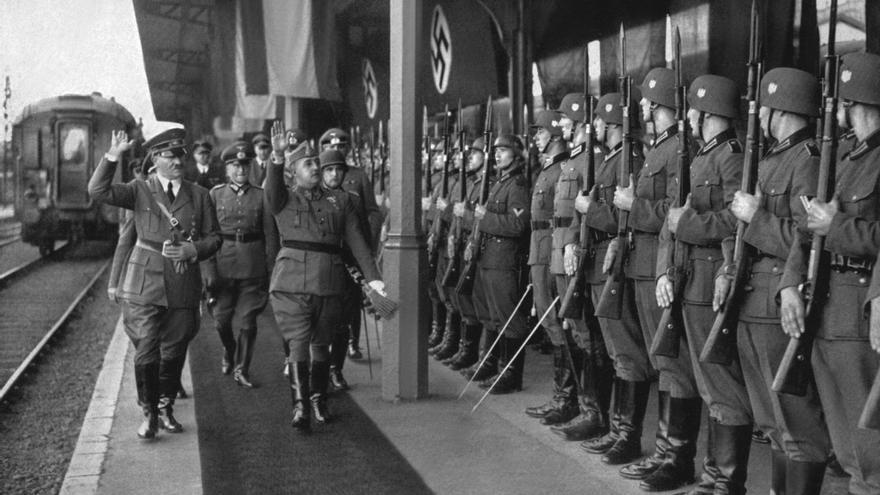 Franco y Hitler, en Hendaya, el 23 de octubre de 1940. / picture-alliance/Judaica-Samml/Newscom/Efe