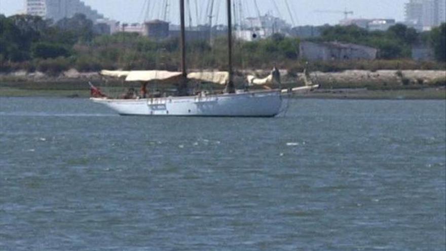 Seis muertos al naufragar un barco de recreo en la costa sur de Lisboa