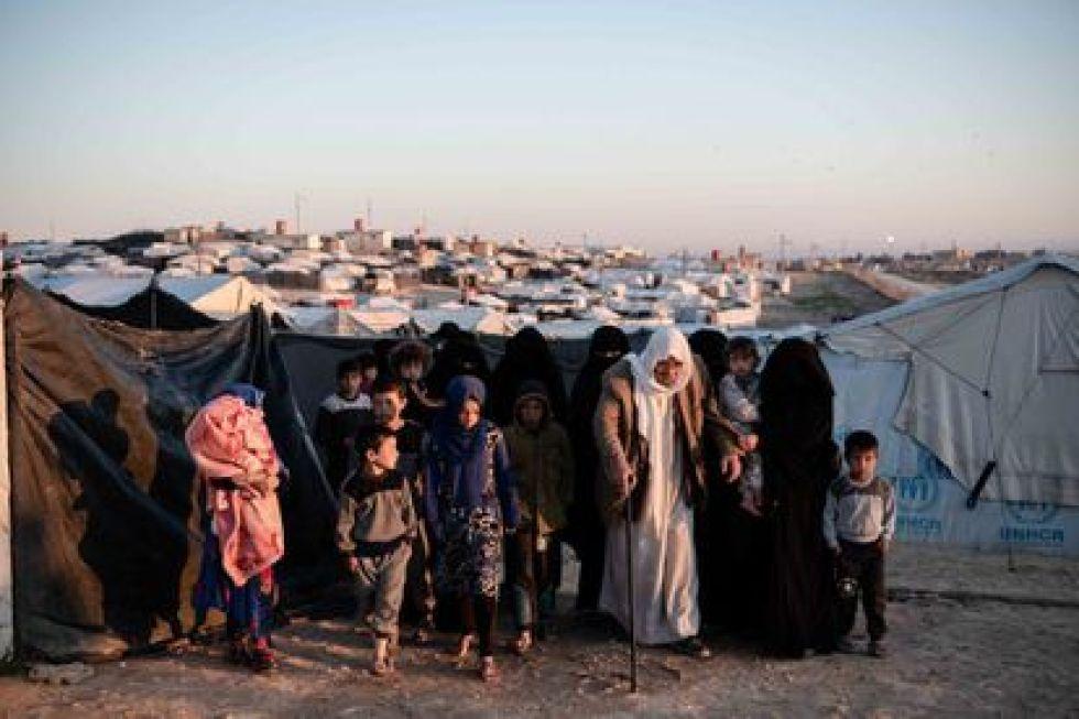 Más de 64.000 familiares de yihadistas de ISIS viven en el campo de Al-Hol.  De estos, más de 34.000 son menores de 12 años.