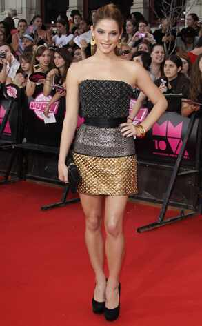 Just a Teaser  Ashley Greene looks chic in a mixed-metal Isaac Mizraahi mini and slicked-back hair at the MuchMusic Awards. It's not fang-freakin'-tastic, but it's cute.