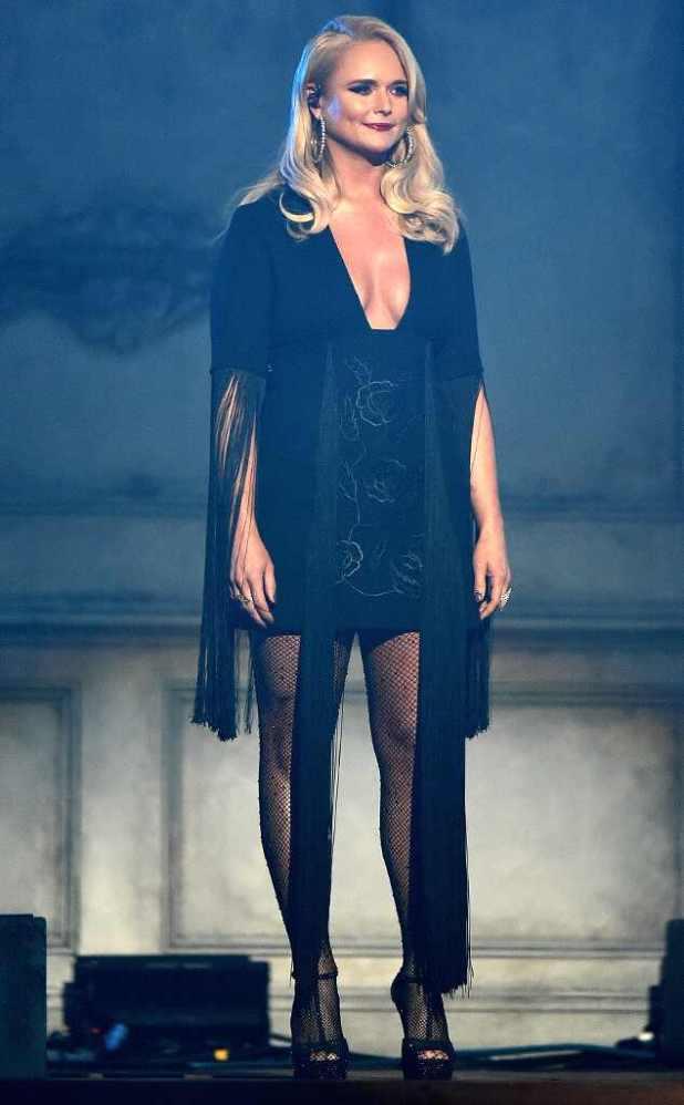 Miranda Lambert, 2017 CMA Awards, Show