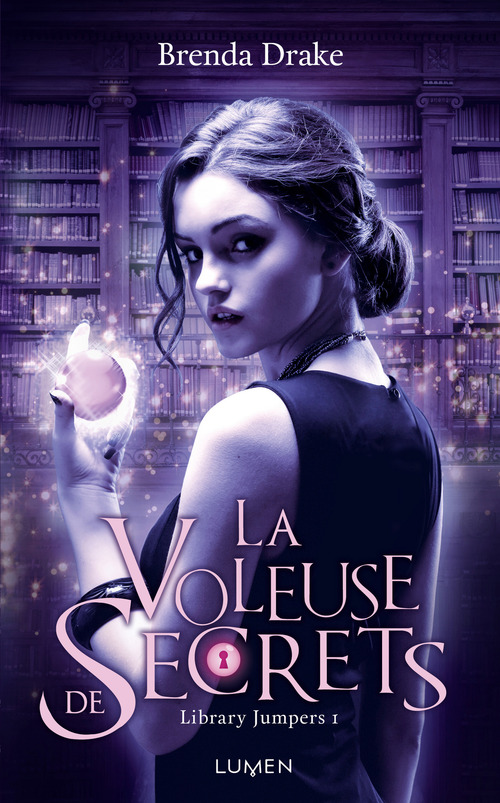 Library jumpers T.1 ; la voleuse de secrets
