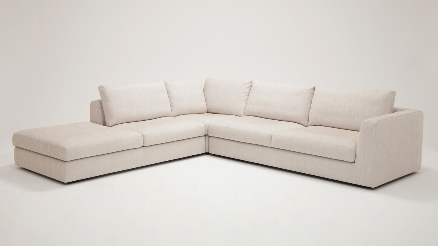 Cello 3 Piece Sectional Sofa With Backless Chaise Eq3