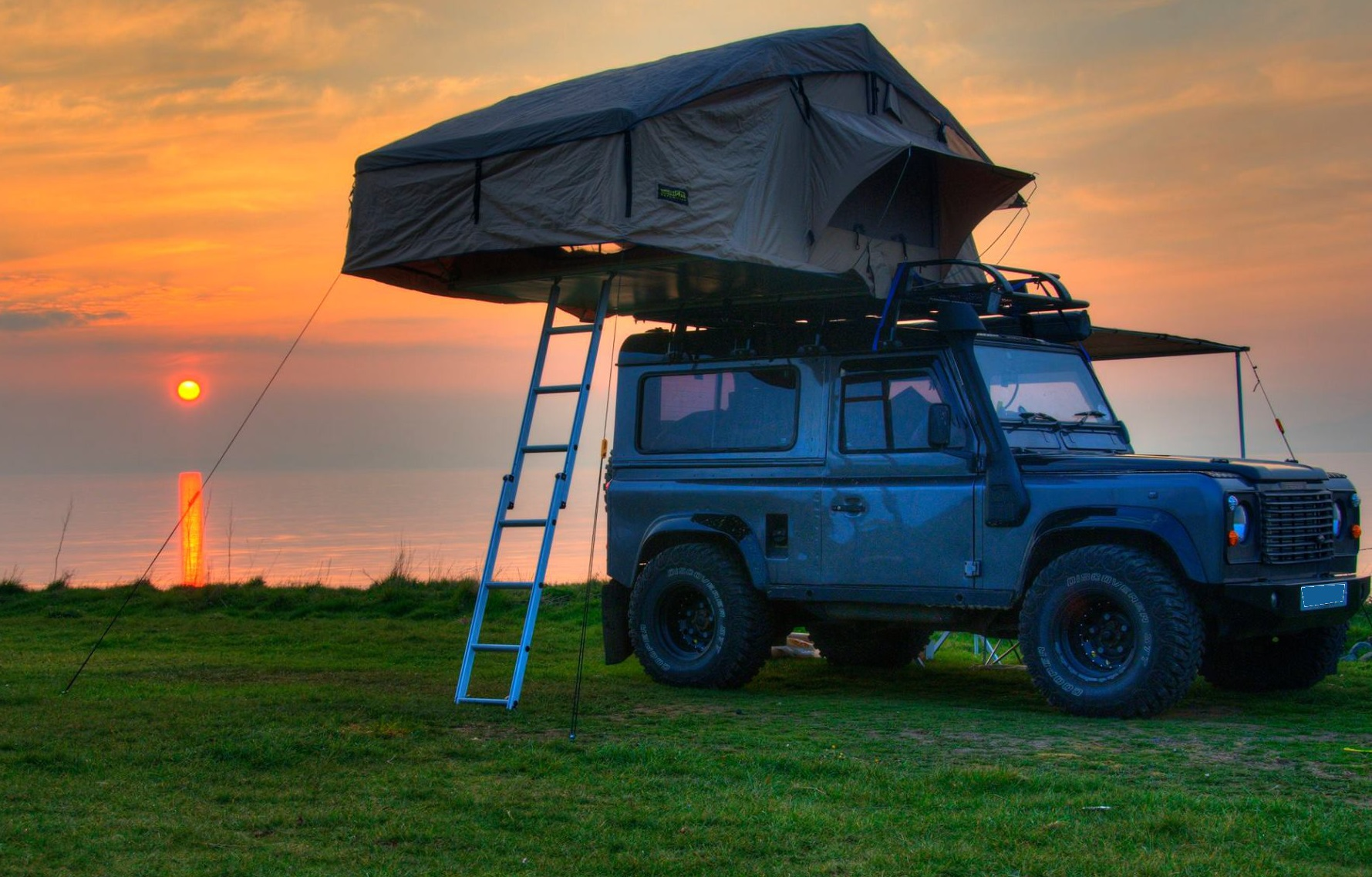 Land Rover Defender 90 & 110 Expedition Roof Tent With Annex King