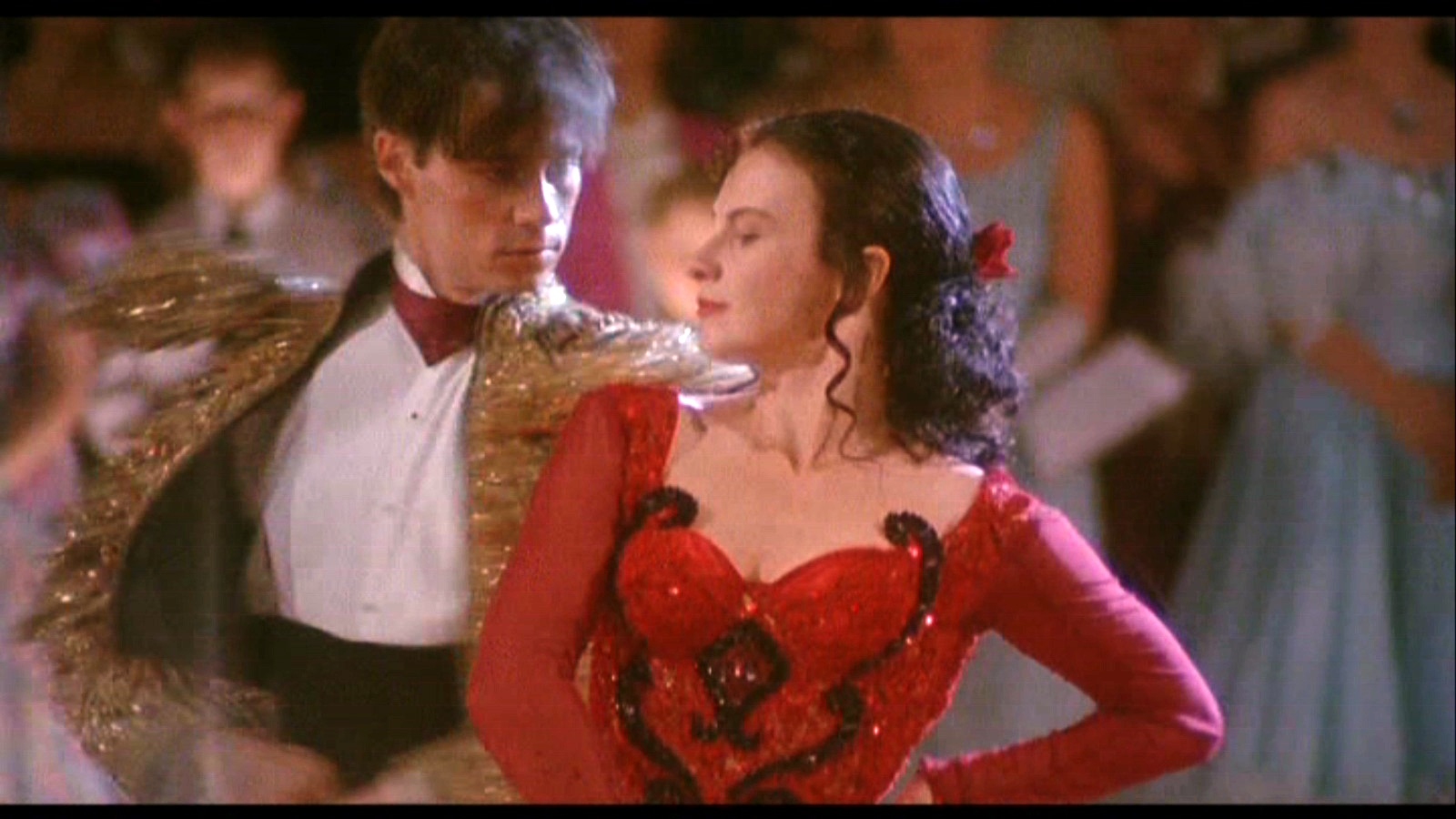 https://i1.wp.com/images.fanpop.com/images/image_uploads/Strictly-Ballroom-baz-luhrmann-749298_1600_900.jpg