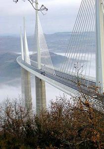 جسر ميلاو أطول جسر طرقي في العالم – فرنسا