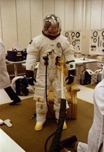 "i-4-how-apollo-astronaut-al-worden-got-and8220first-manand8217sand8221-spacecraft-ready-for-its-close-up-205x300 How a real Apollo astronaut helped ""First Man"" shoot the moon Technology"