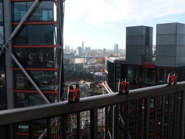 5-tates-neighbours-609x457 The Tate Modern's latest installation is NIMBY trolling at its finest Interior